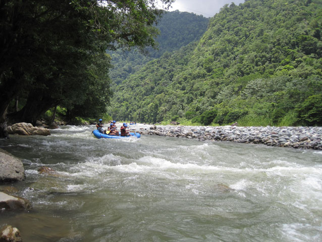 Rafting down the Cangrejal River